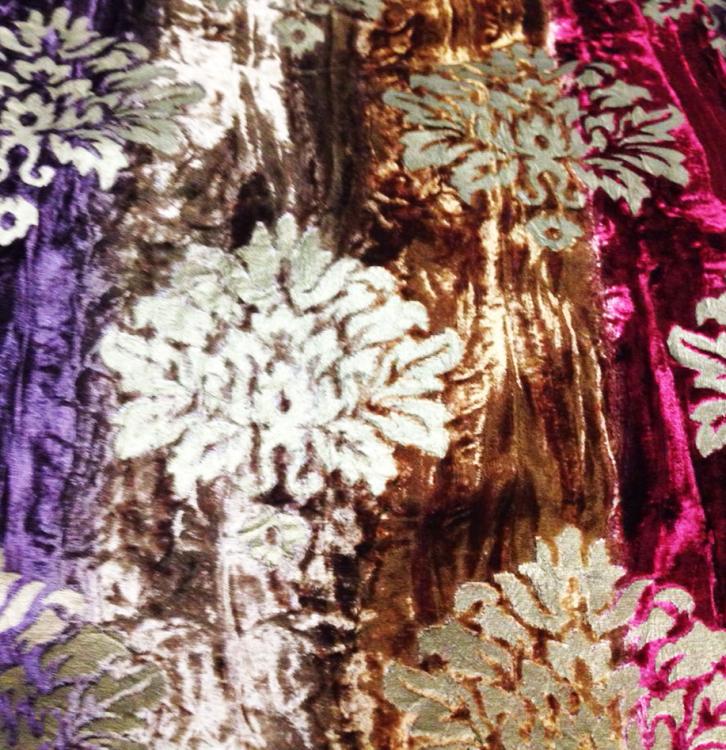 Damask Devore Velvet/ burntout fabric